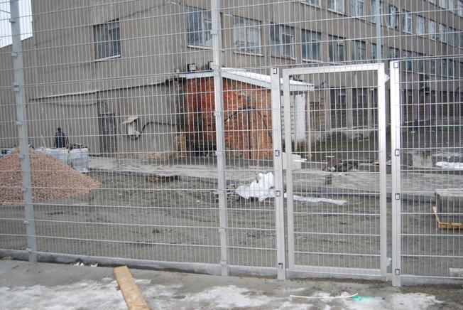 Забор для ограждения промышленных объектов